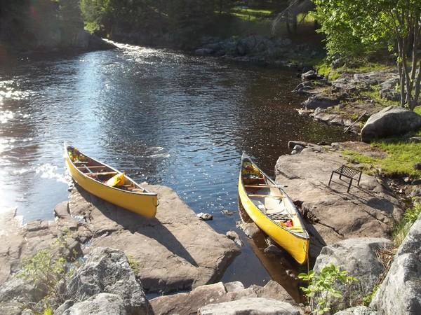 Flatwater Explore by Canoe: the Little Mississippi River to Loney's Chute