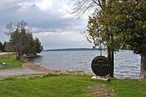 Warren's Bay Boat Launch | Good for viewing southeast end of lake.